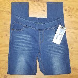 🐠3/$20 NWT Jvini Denim Blue Pull On Leggings